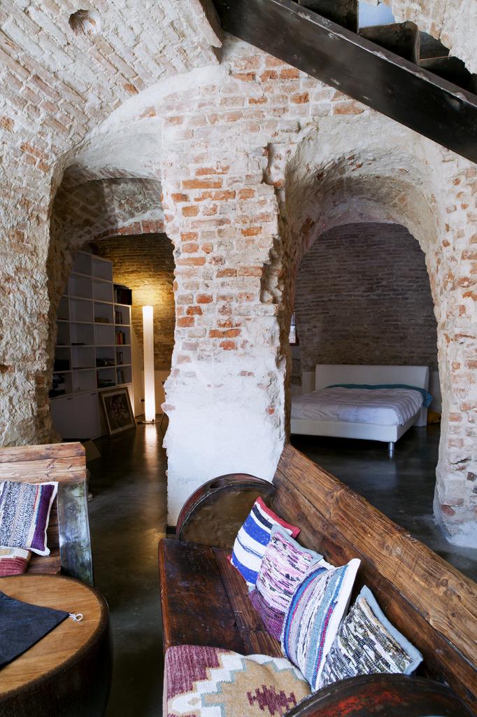 bedroom_ restoration_exposed brick