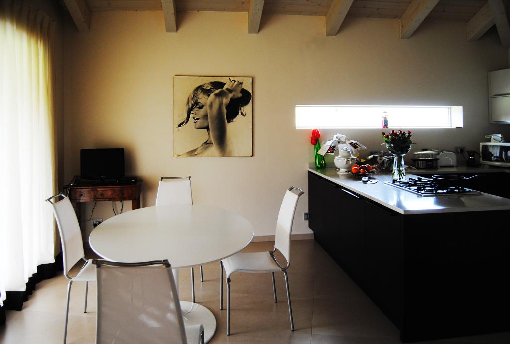 diningroom_kitchen_white