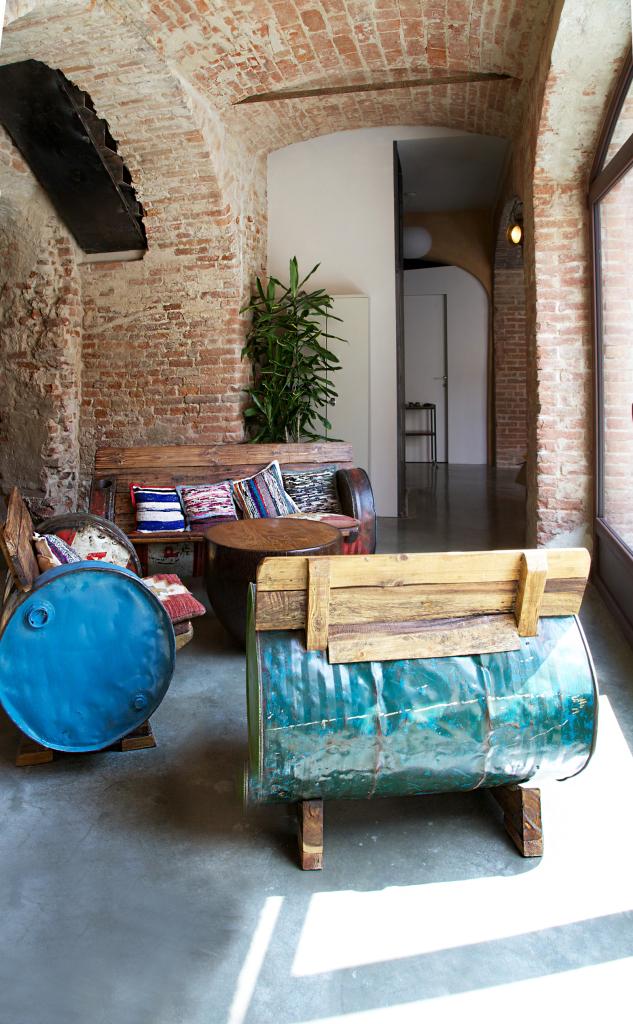 living room_exposed brick_restoration