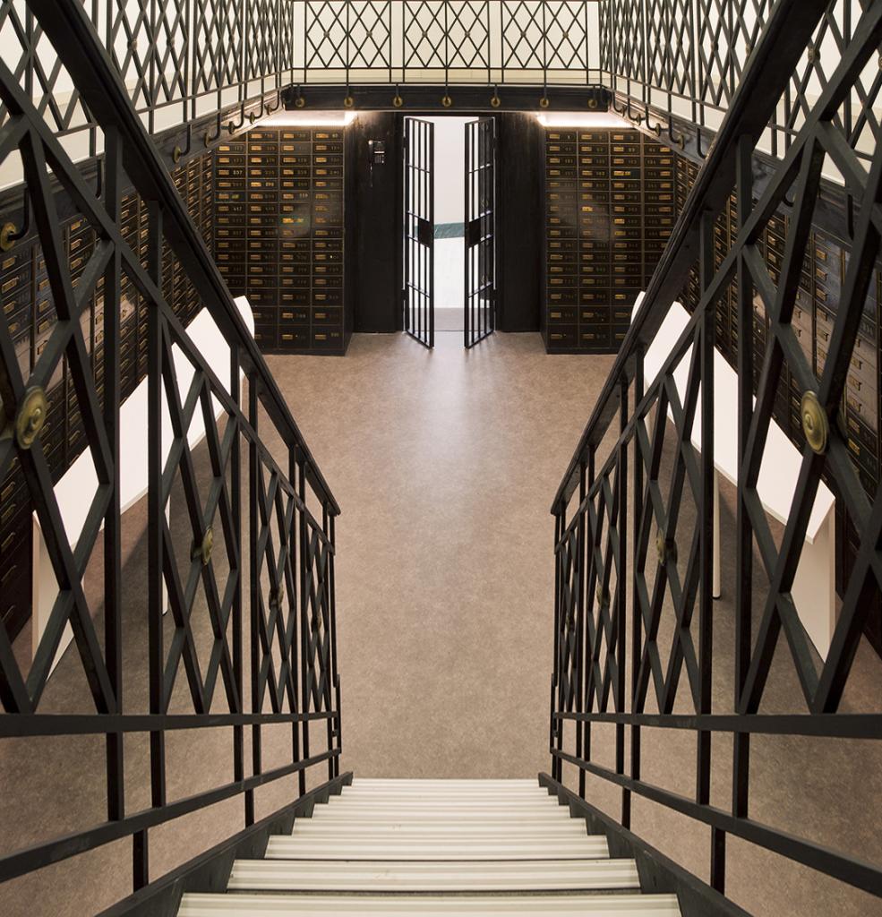 metal_staircase_working spaces_ black