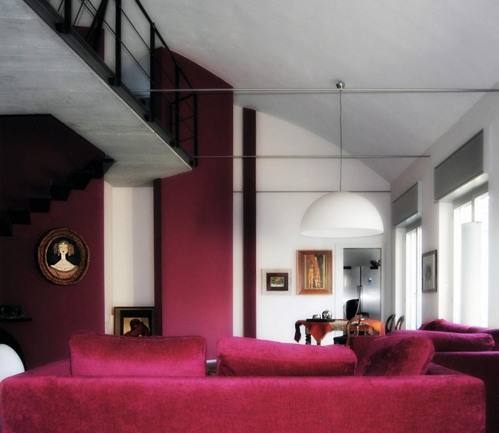 red_livingroom_white